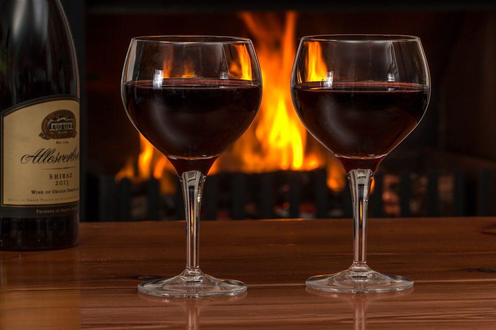 二人でお酒を愉しむ