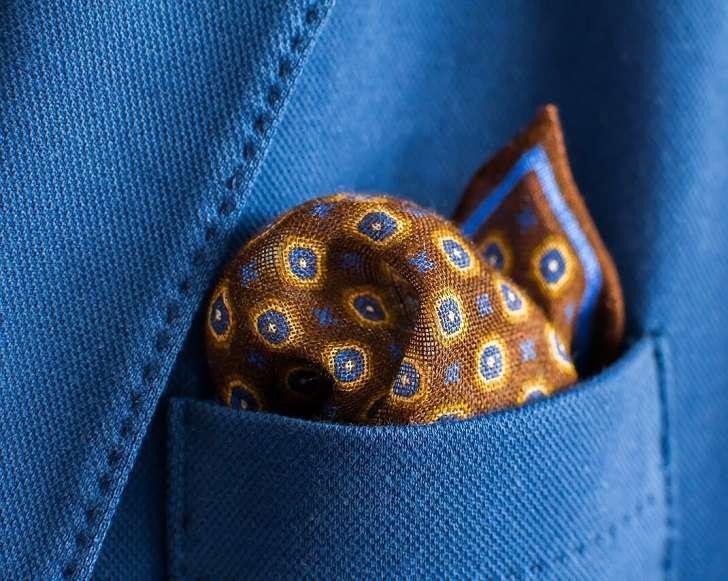 ポケットチーフ(茶/オレンジ/青の小紋柄)