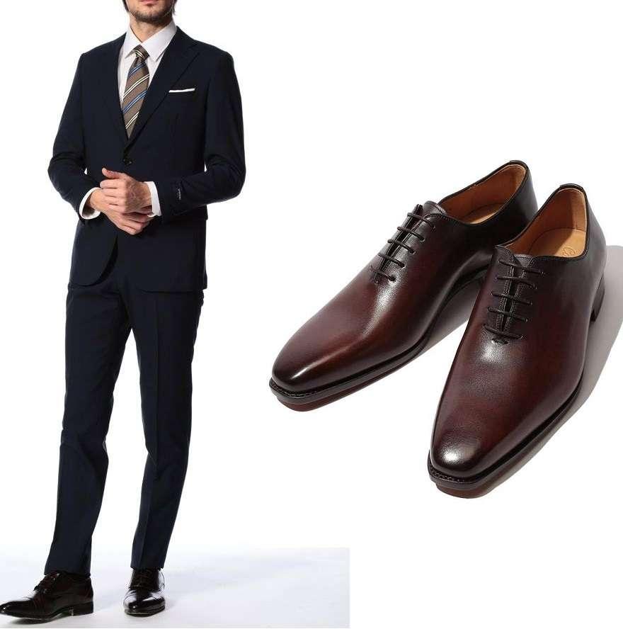 ネイビースーツと靴