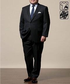太め男性ダークグレースーツ